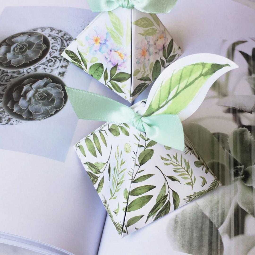 Greenery Leaf Triangle Wedding Favor
